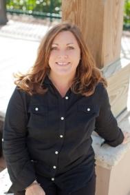 Tracy, Customer Service Representative
